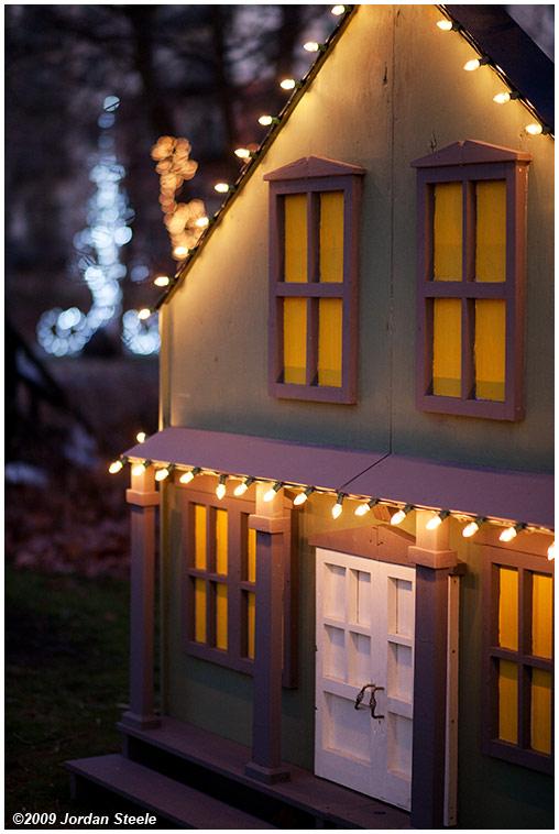 IMAGE: http://www.jordansteele.com/forumlinks/house_lights.jpg