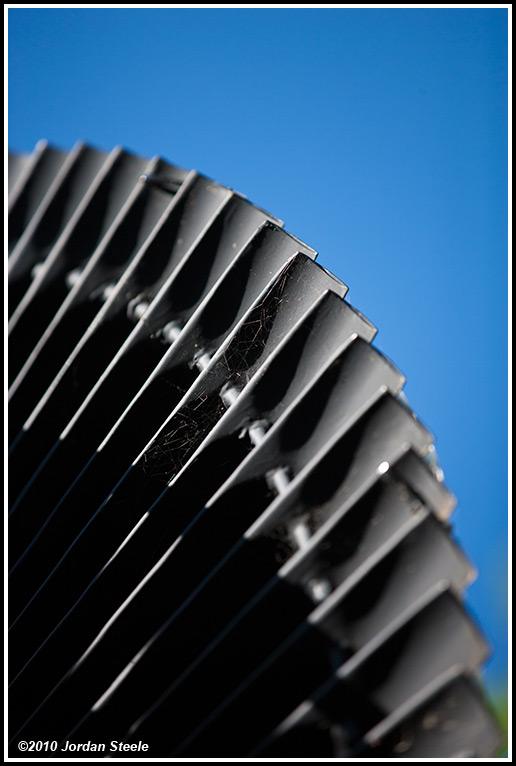 IMAGE: http://www.jordansteele.com/forumlinks/turbine_blades.jpg